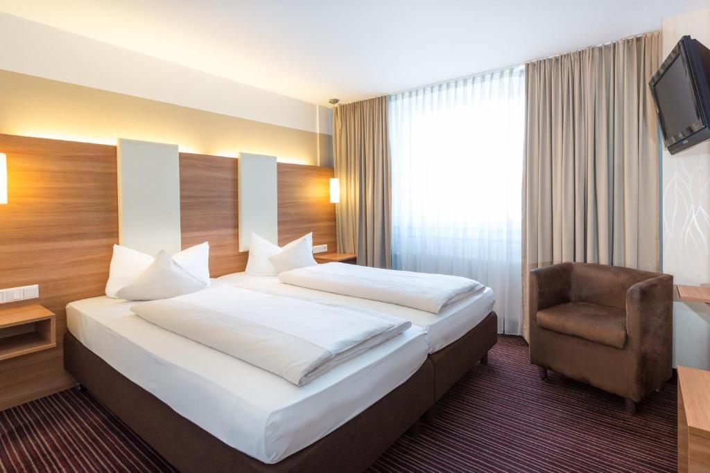 Hotel Cristal Deutschland Munchen Booking Com
