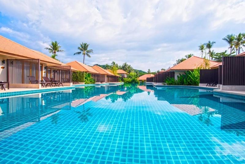 Der Swimmingpool an oder in der Nähe von Blue Bay Resort