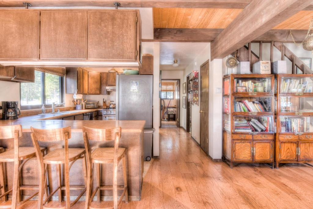 Super Vacation Home Talmage North Tahoe Rental Carnelian Bay Ca Interior Design Ideas Greaswefileorg
