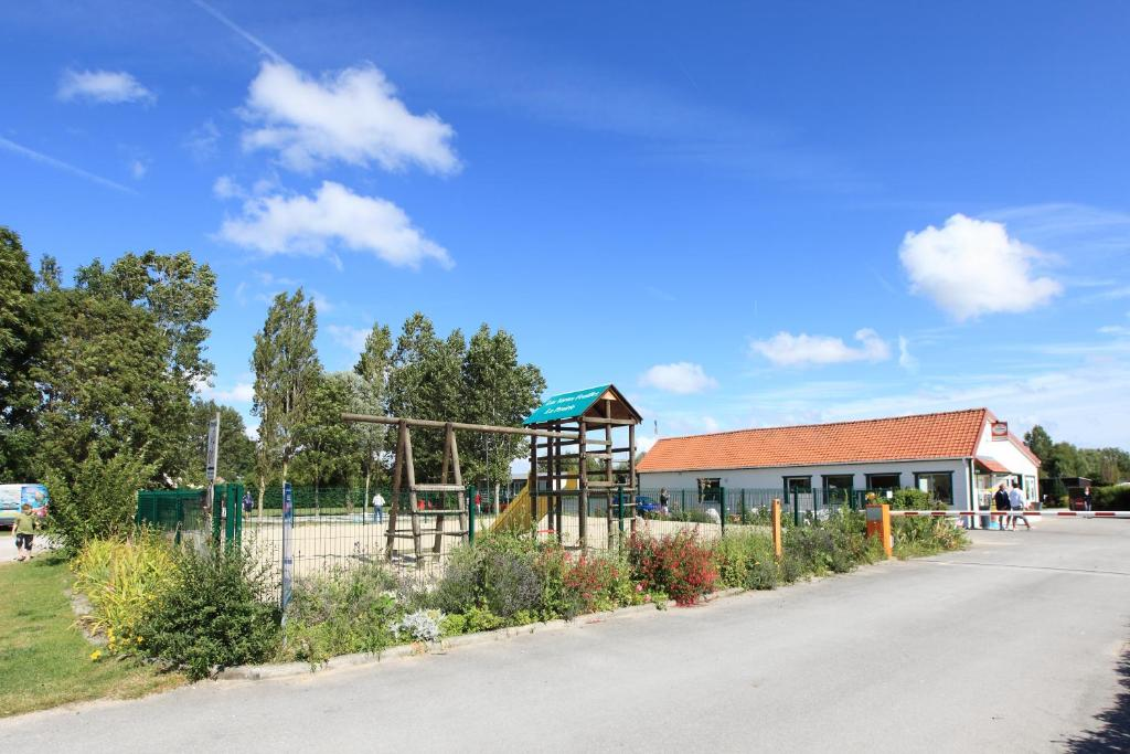 Campground Flower Vertes Feuilles, Quend, France - Booking.com