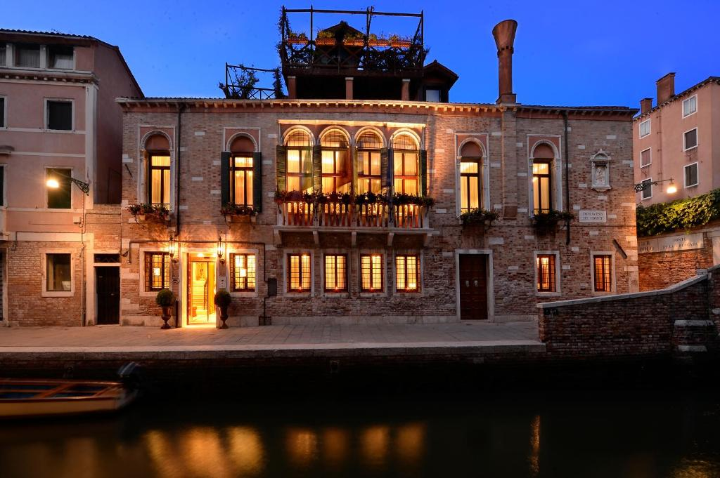 Hotel palazzetto madonna venice italy for Hotel design venice