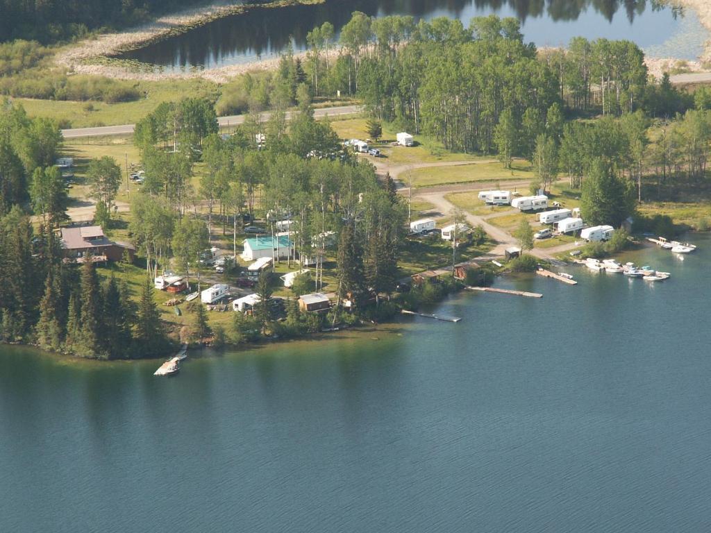 Cottonwood Bay Resort Bridge Lake Canada Booking Com