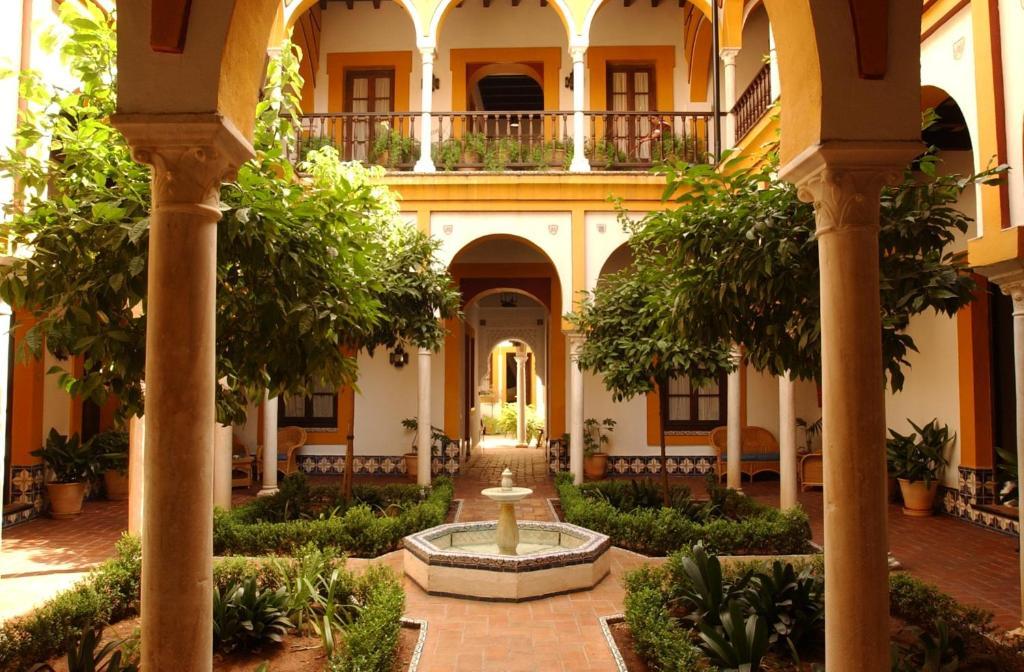 Hotel casa imperial espa a sevilla for La mansion casa hotel apurimac
