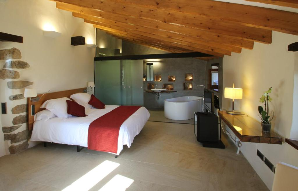 boutique hotels in cánoves  13