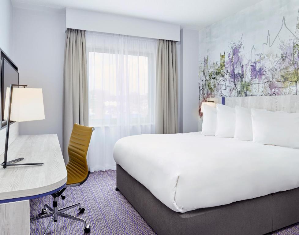 Ein Bett oder Betten in einem Zimmer der Unterkunft Jurys Inn Exeter