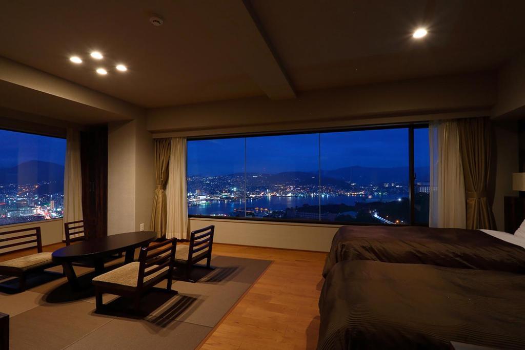 ポイント1.稲佐山の一等地にある客室