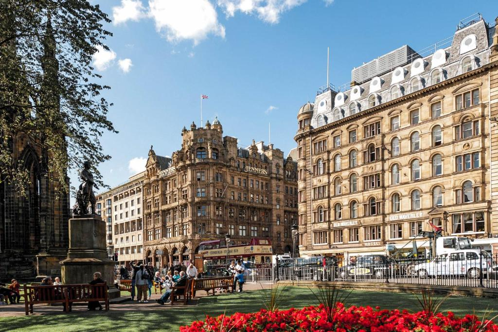 Old Waverley Hotel Gb Edinburgh Booking Com