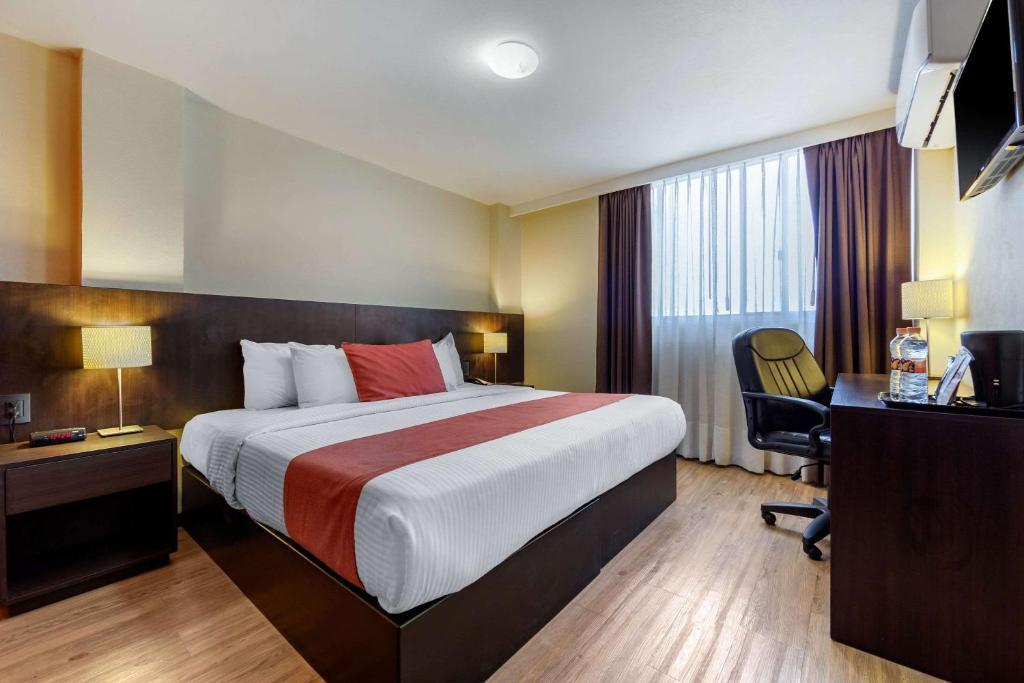 Cama o camas de una habitación en Comfort Inn San Luis Potosi