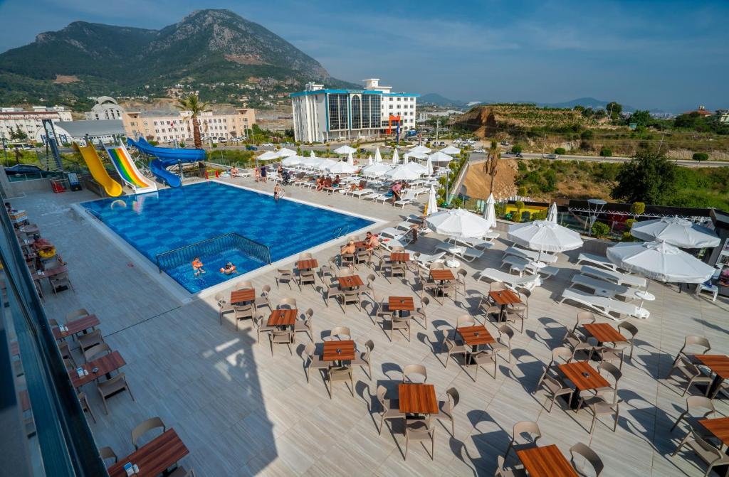 Campus Hill Hotel 5*  - 415 EUR