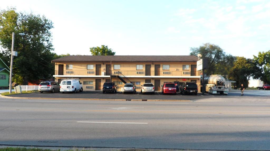 Star Motel Macomb Il Booking Com