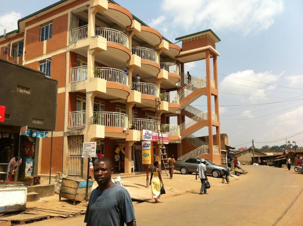 Dating σε απευθείας σύνδεση Ουγκάντα