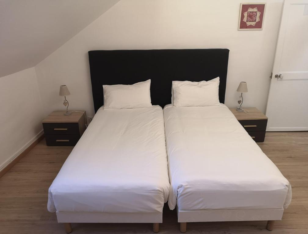 Apartments In Villefranche-sur-cher Centre