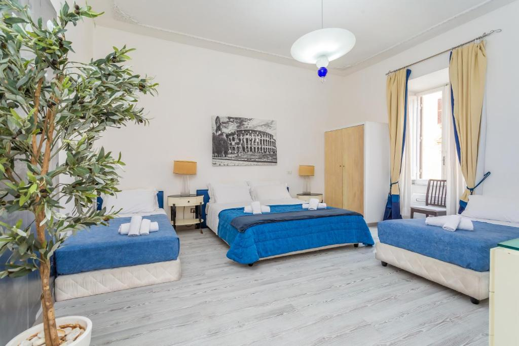 guesthouse deluxe rooms rome italy booking com rh booking com