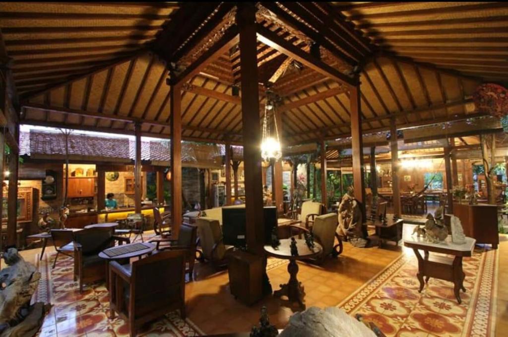 Bedhots homestay yogyakarta indonesia booking.com