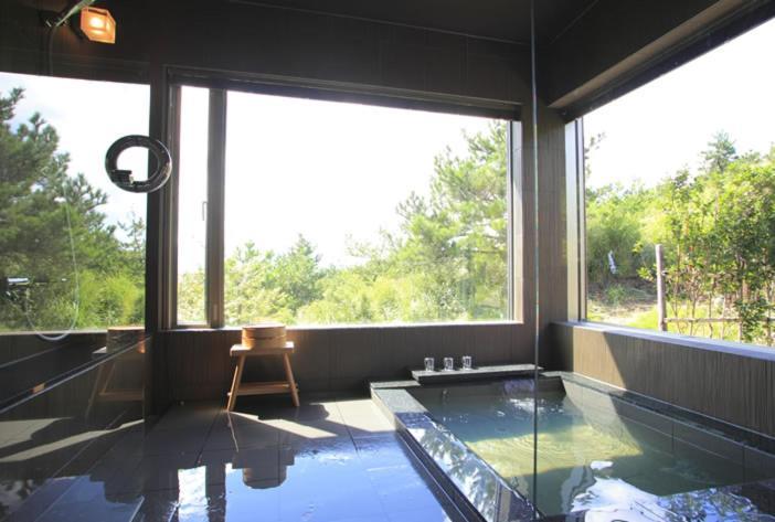ポイント2.眺望最高の露天風呂と7つの貸切風呂