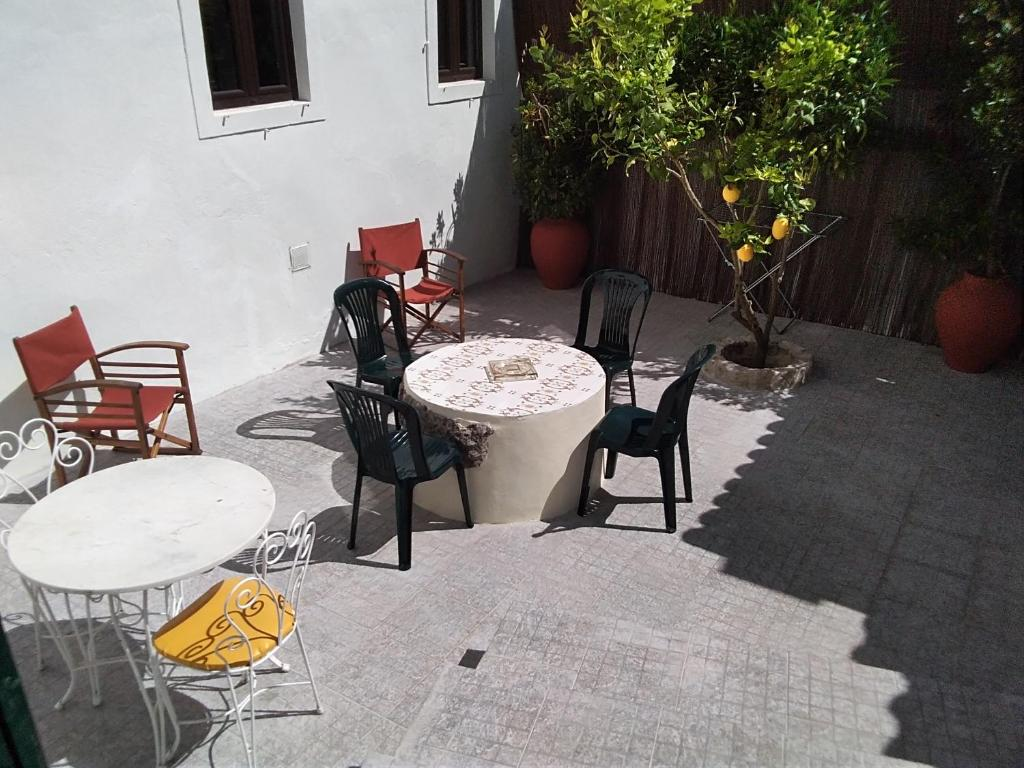 A porch or other outdoor area at Moradia Descansa Pernas