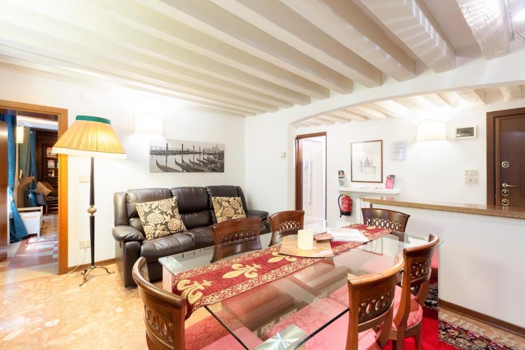 Apartment Ca Del Carro Venice Italy Booking Com