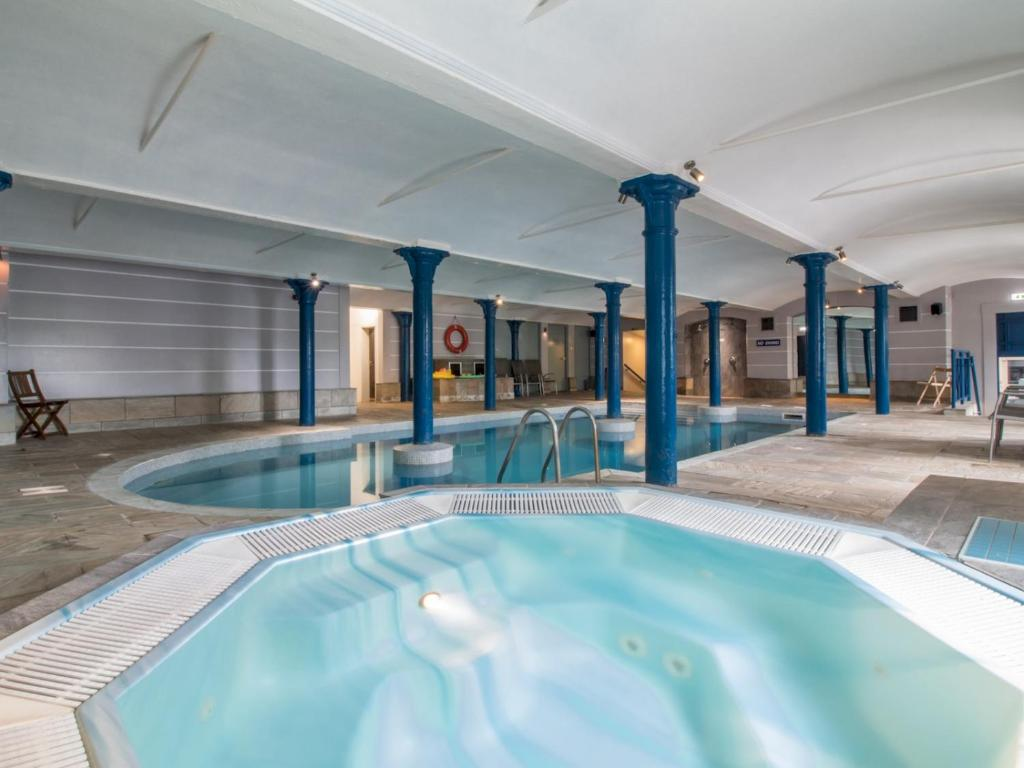 The swimming pool at or near Luxury 2BD Penthouse, Private Lift & Swimming Pool