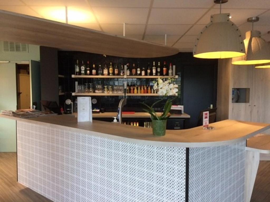 Salon ou bar de l'établissement ibis Creil Sur Oise