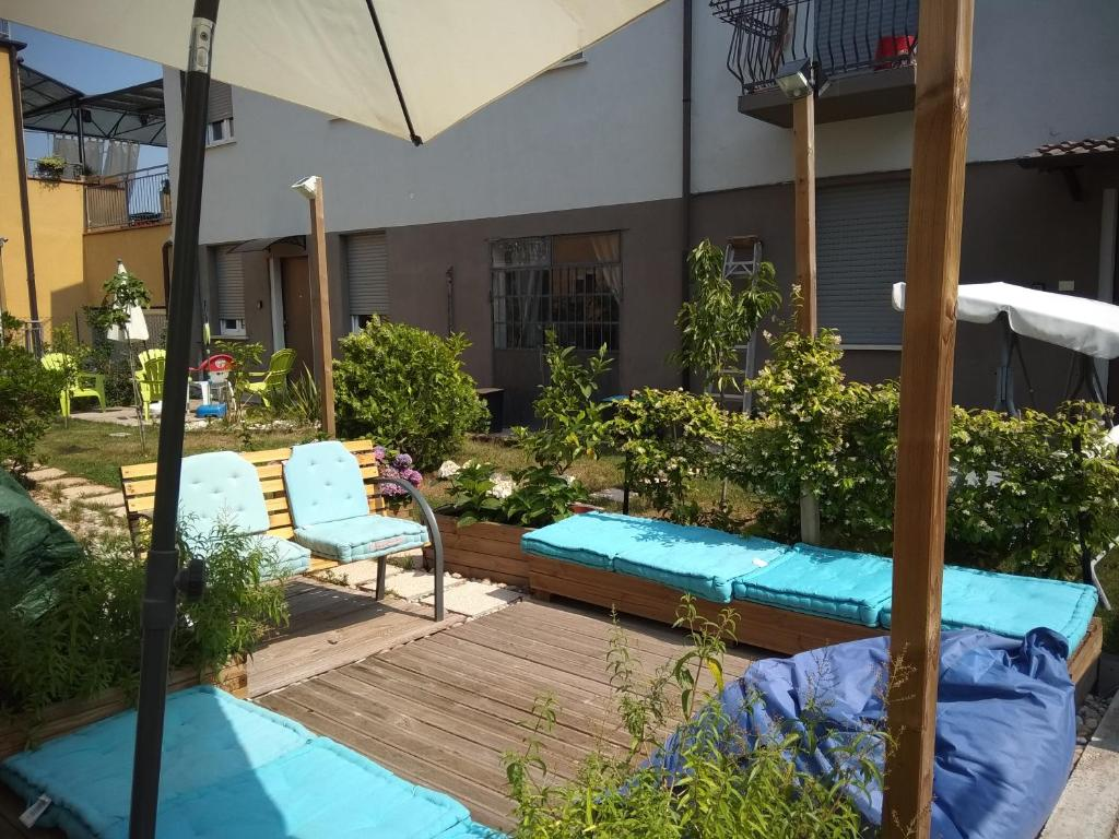 The swimming pool at or near Residenze con giardino
