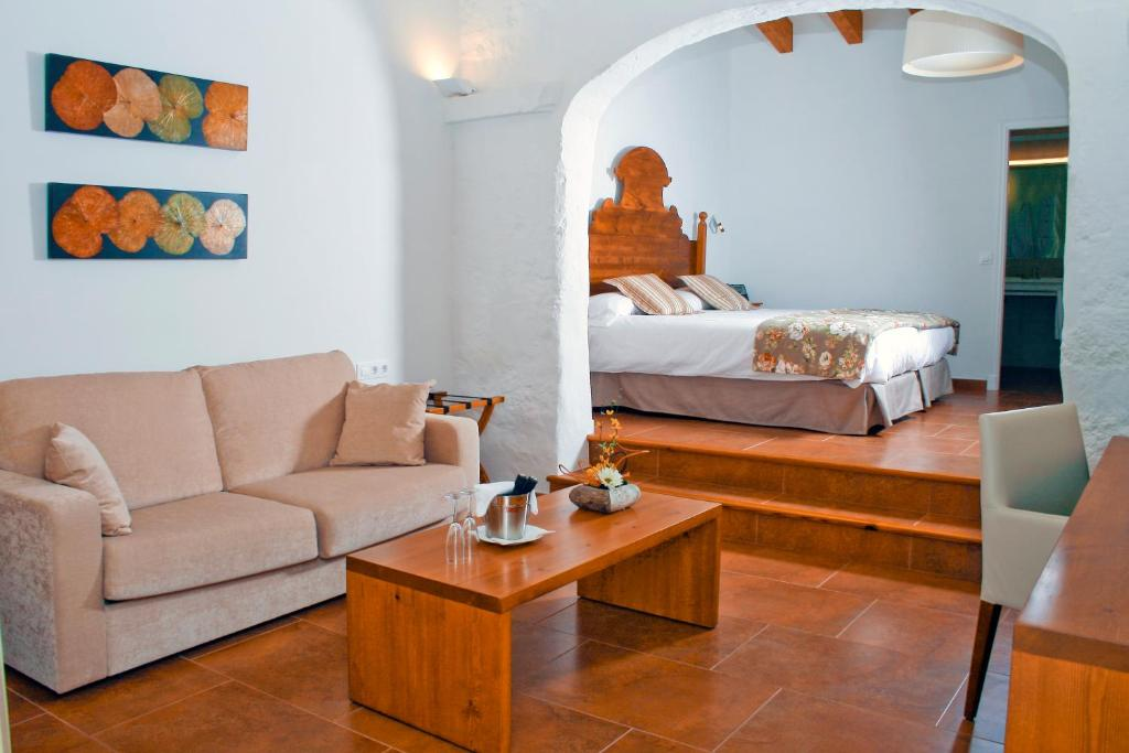 boutique hotels menorca  75