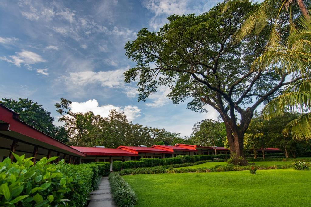 Hotel Hacienda Guachipelin, Liberia, Costa Rica - Booking com