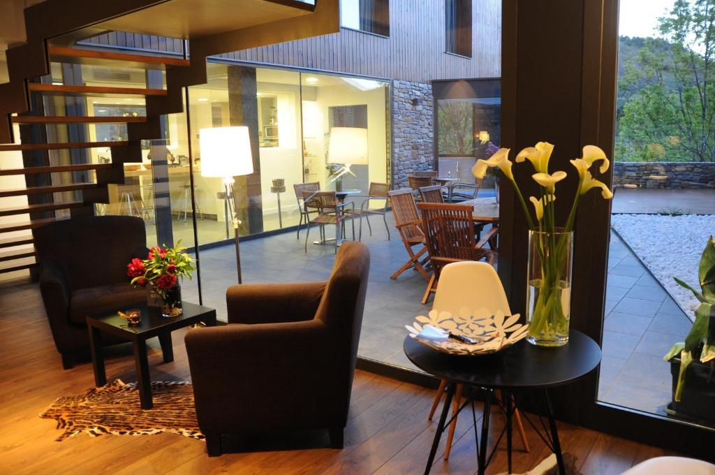 boutique hotels in bonansa  22