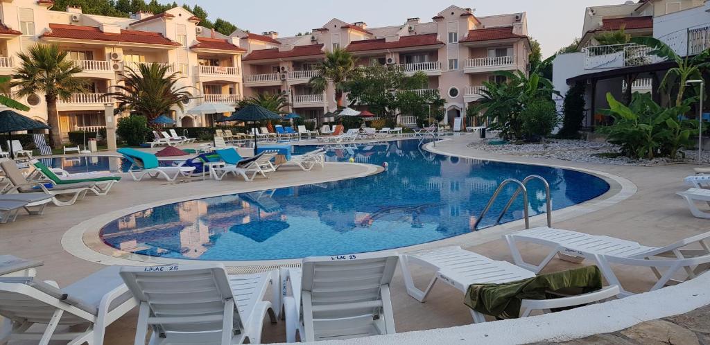 The swimming pool at or near 16 Jasmine Apartment Botanik Gardens