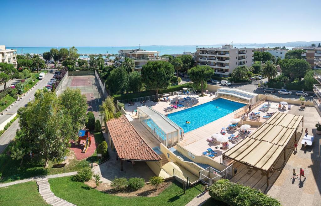 R sidence pierre vacances heliotel marine saint laurent - Residence vacances var avec piscine ...