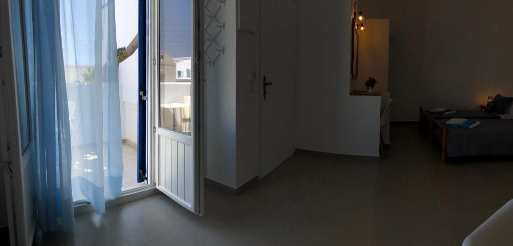 Villa Gambas Beach Studios, Kamari, Greece - Booking com