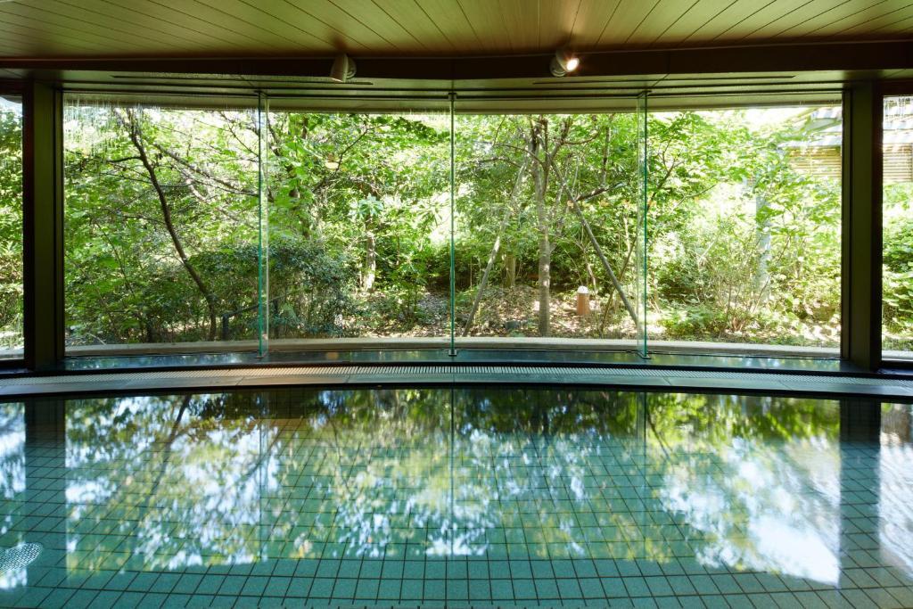 ポイント1.自然を感じられる!天然温泉浴場