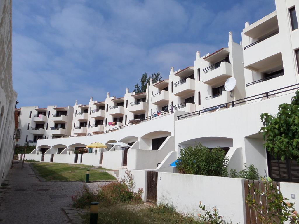 Apart hotel albufeira jardim portugal albufeira for Portugal appart hotel