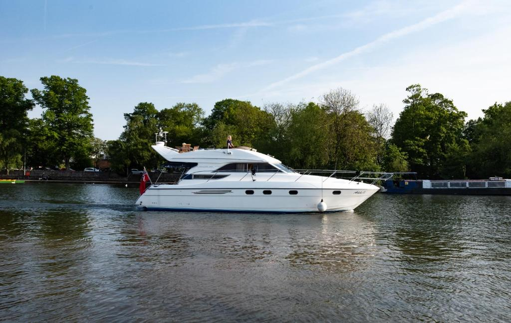 Hotel Princess Yacht 47ft Henley On Thames Uk Booking Com