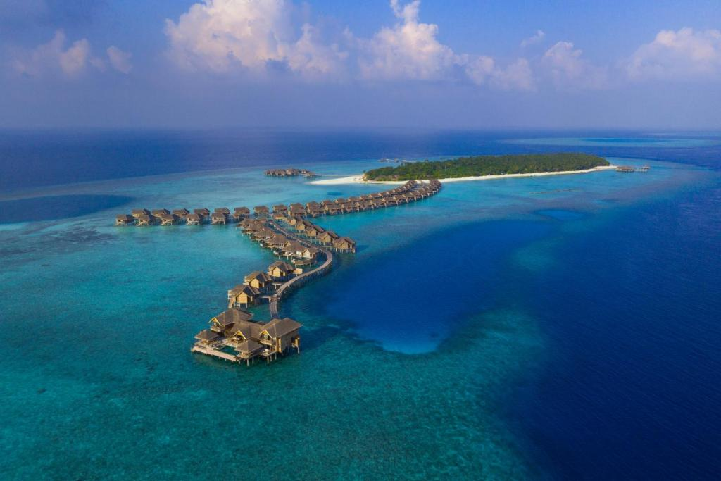 A bird's-eye view of Vakkaru Maldives