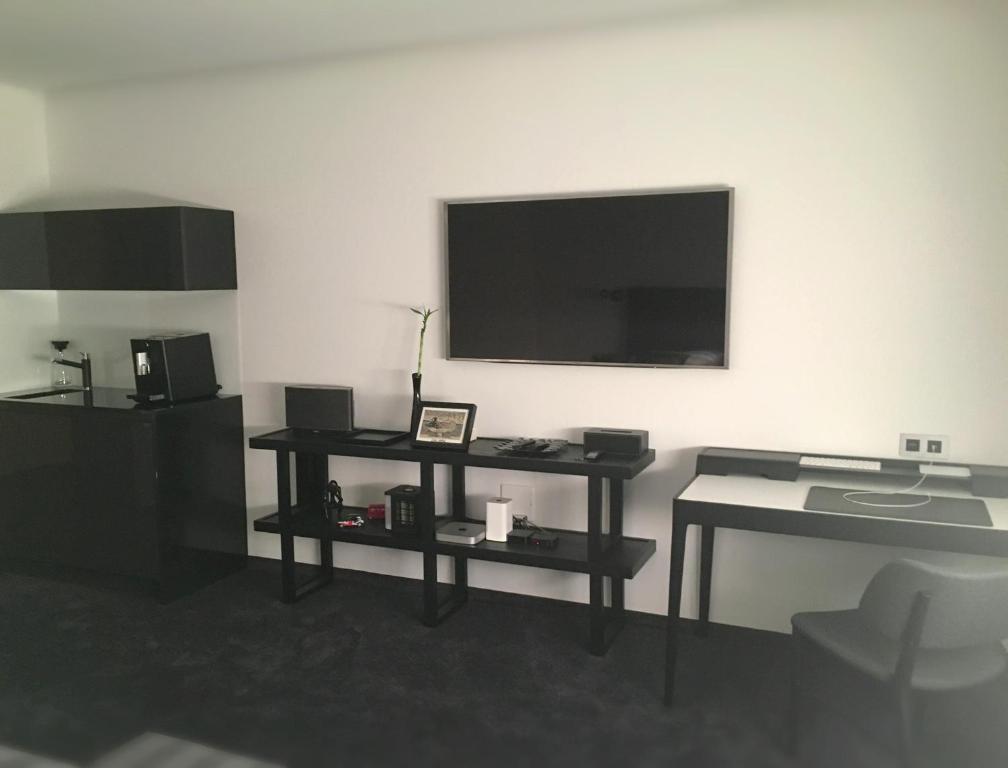 Televisi dan/atau pusat hiburan di Apartman Dovhan