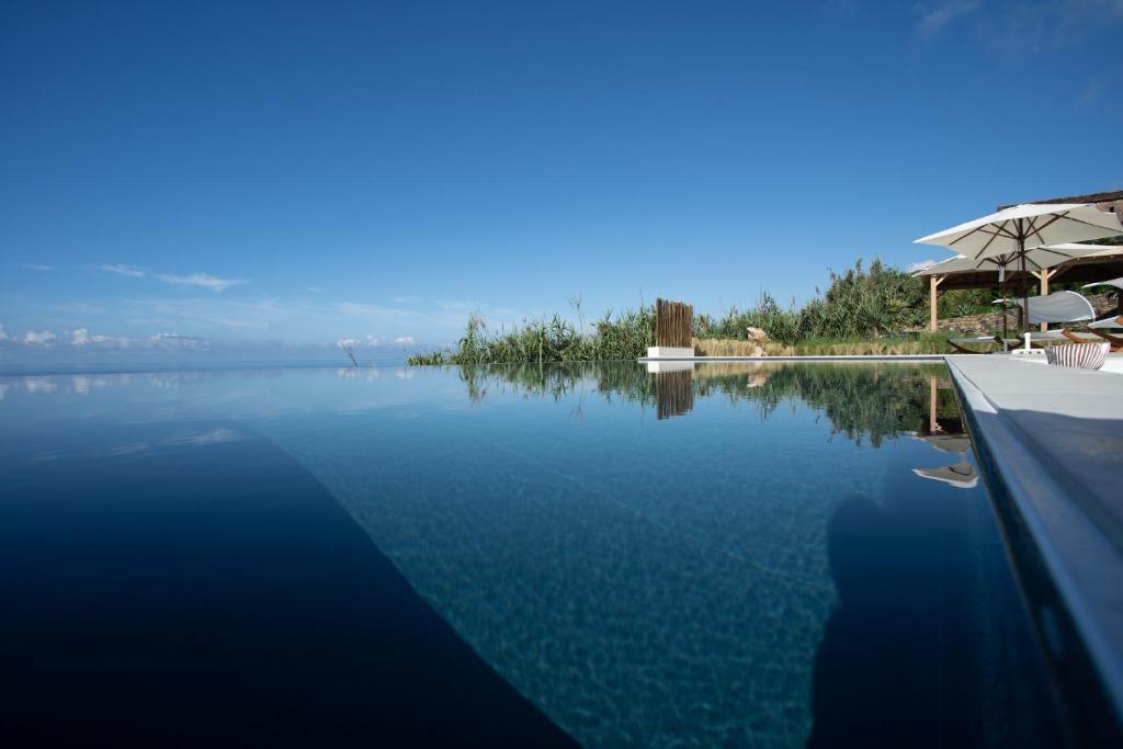 A piscina em ou perto de Sul Villas & Spa