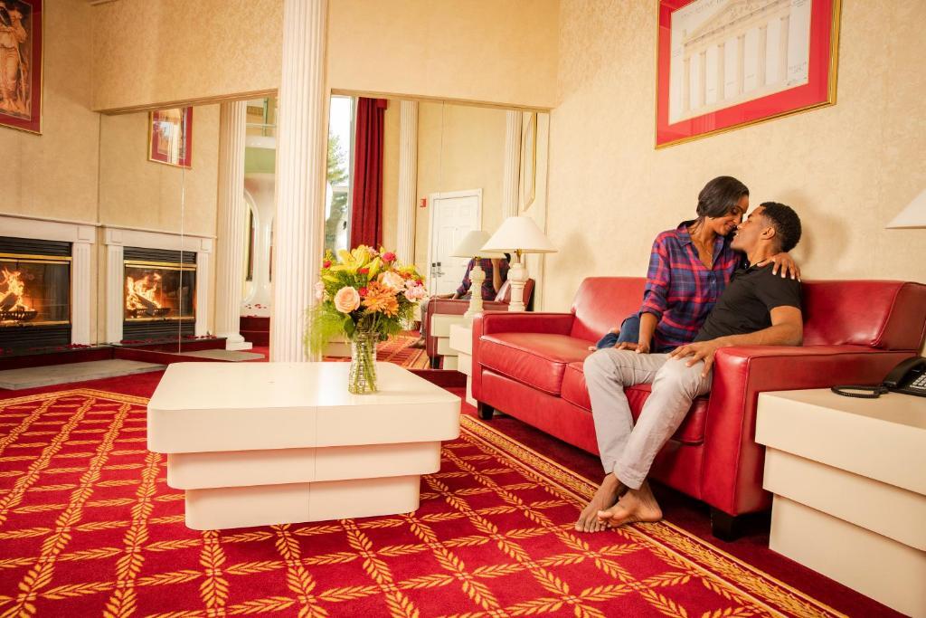Pocono Palace Resort, East Stroudsburg, PA - Booking com
