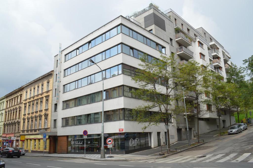 Современный отель 4* в центре Праги!