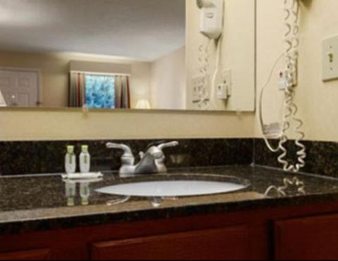 Baymont Inn & Suites - Orangeburg