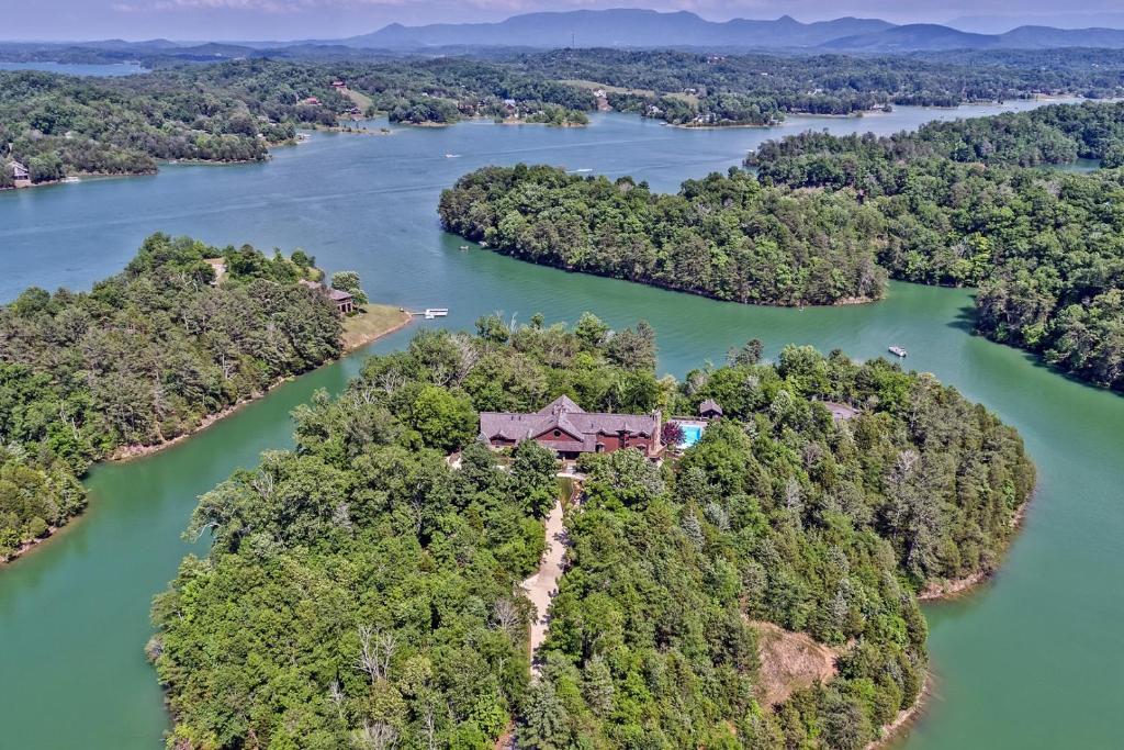 Smoky Mountain Vacation Ideas December 2020 Douglas Lake Lodge in the Smoky Mountains, Sevierville, TN