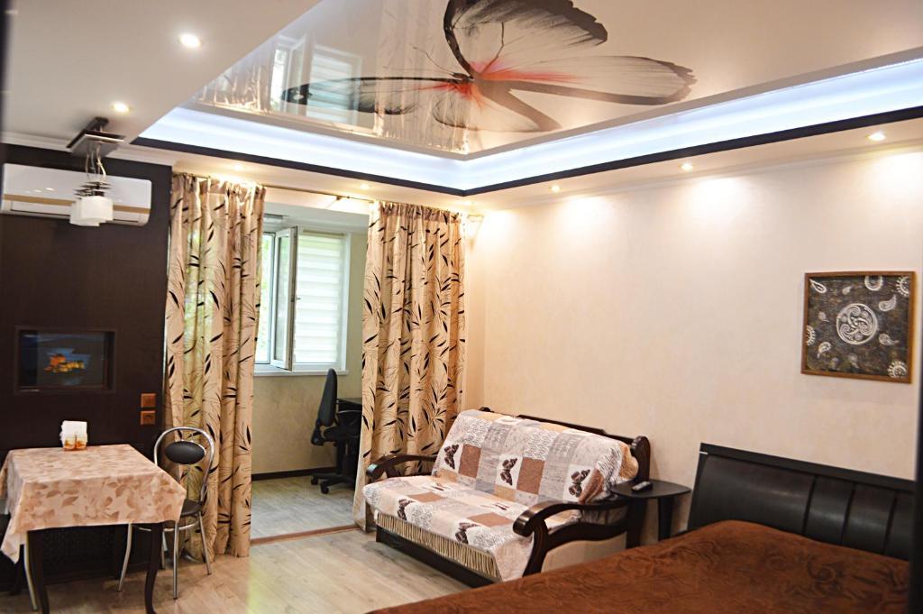 Гостиная зона в 2 room Lux Apartment on Kulika Street