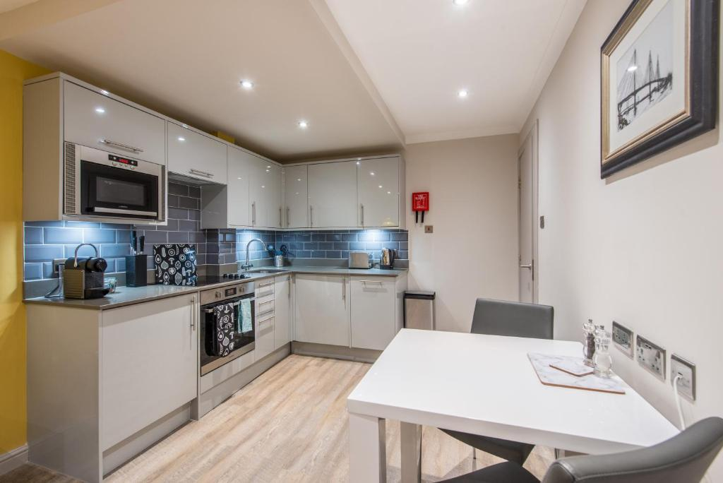 Fountain Court Apartments – Grove, Edinburgh – Updated 2019 Prices