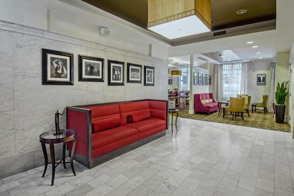 Hampton Inn Majestic Chicago Il Booking Com