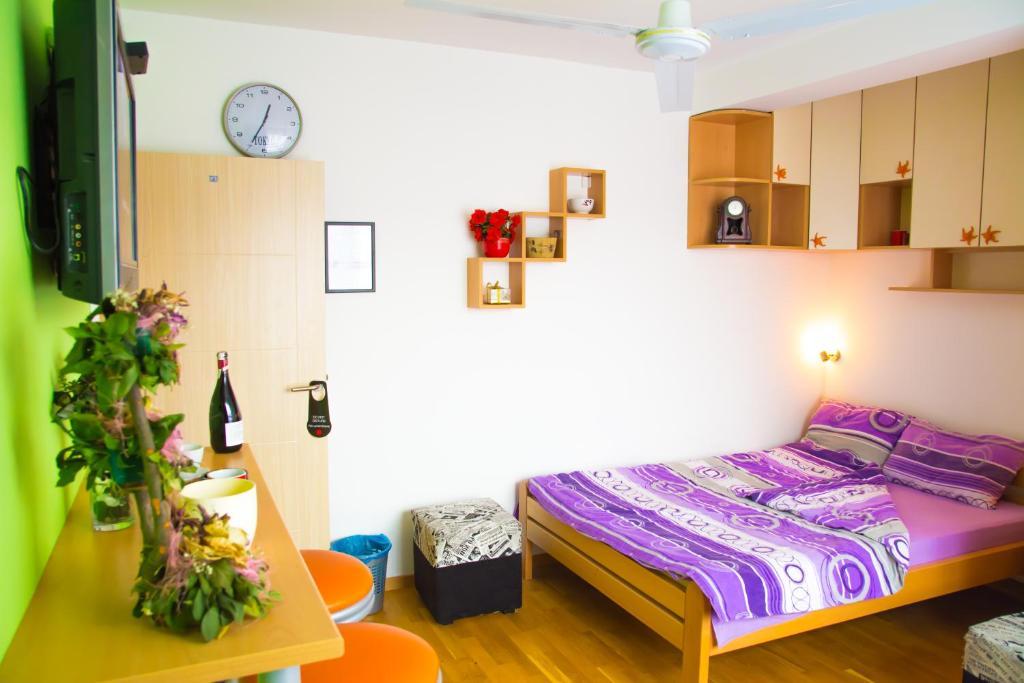 Hostel No9