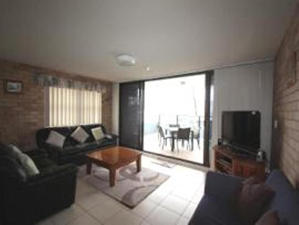 Avalon Apartments Aus Alexandra Headland Booking Com