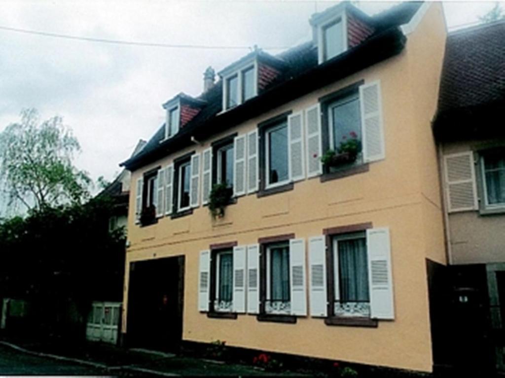 Appartement au coeur france barr for Appart hotel au mois
