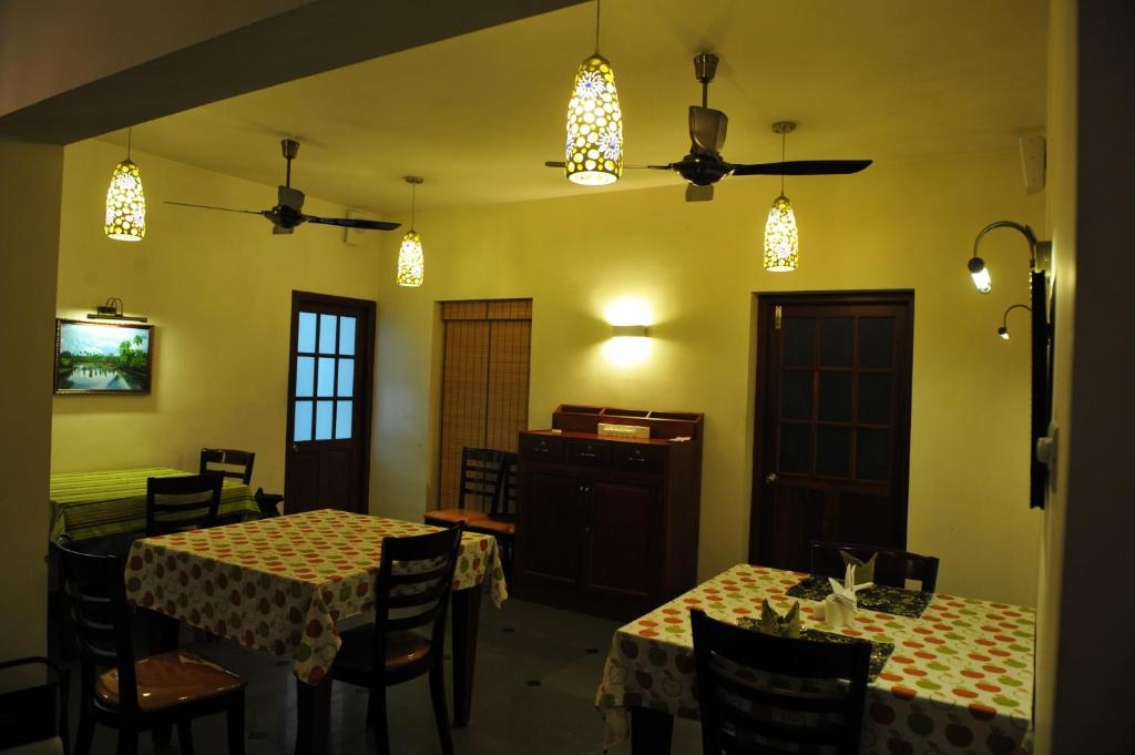 The Villa Romantica, Nedumbassery, India - Booking.Com