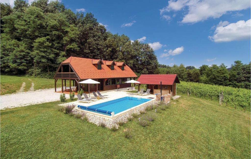 The swimming pool at or near Three-Bedroom Holiday Home in Donja Stubica
