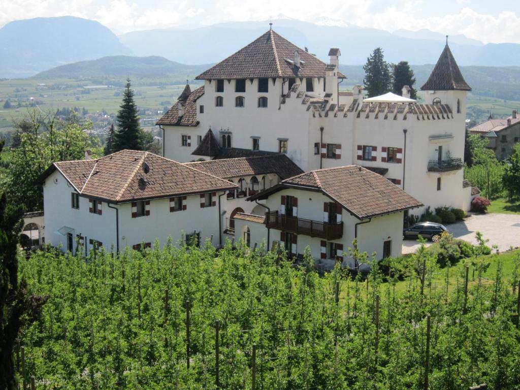 Apartments In Appiano Sulla Strada Del Vino Trentino Alto Adige