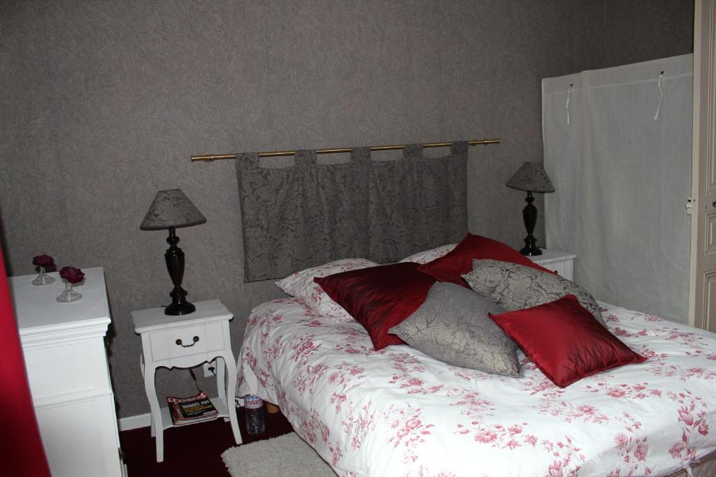 Appartement maison d 39 h tes cygne noir france romans sur is re - Chambre hote romans sur isere ...